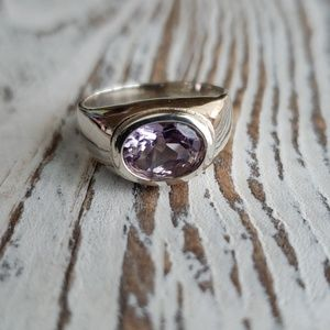 Jewelry - Amethyst SS ring size 8